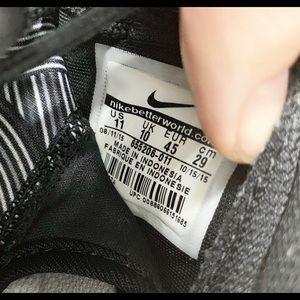 Nike Shoes - Nike Roshe Run One Print 655206 Mens Running Sz 11